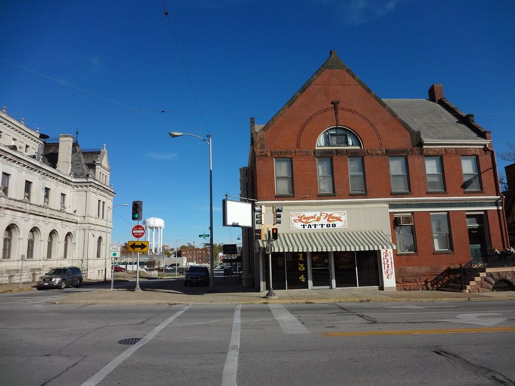 Tattoo shops in quincy il tattoo shop st charles il for Tattoo shops in illinois