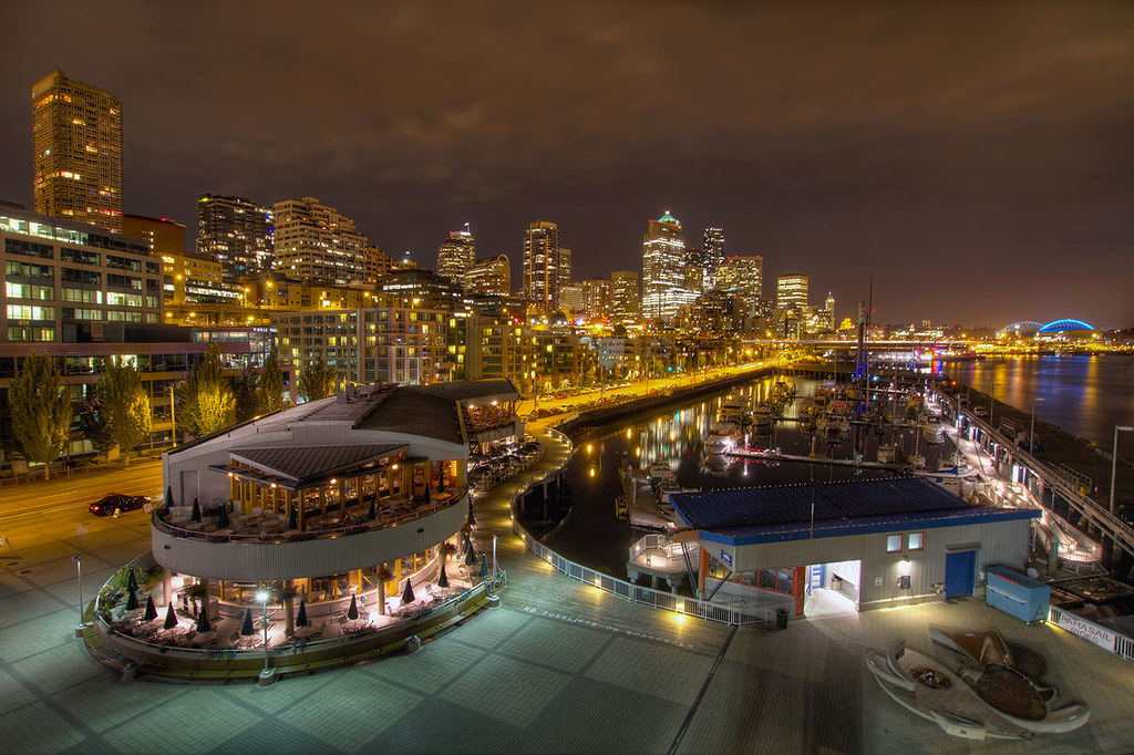 Seattle Waterfront Downtown Skyline From Pier 66 At Night Flickr
