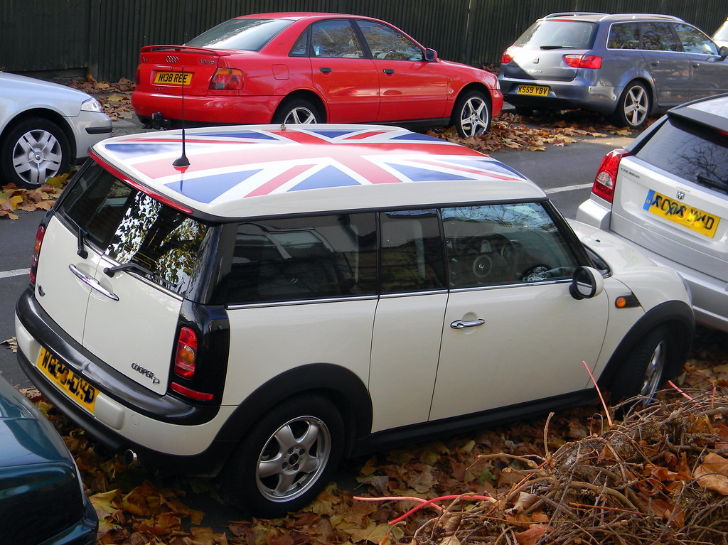 15th november 2011 union jack flag mini cooper chiswick lo. Black Bedroom Furniture Sets. Home Design Ideas