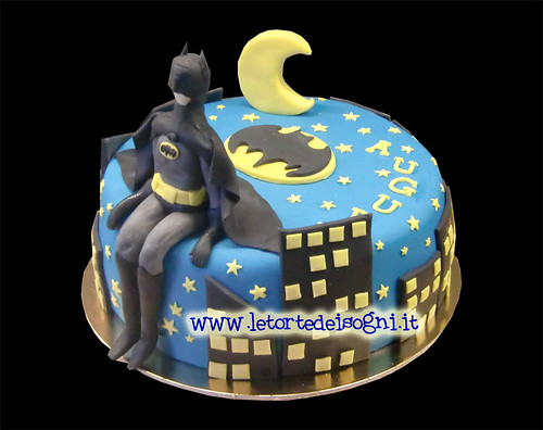Batman cake Pds e crema al cioccolato - sponge cake and ...