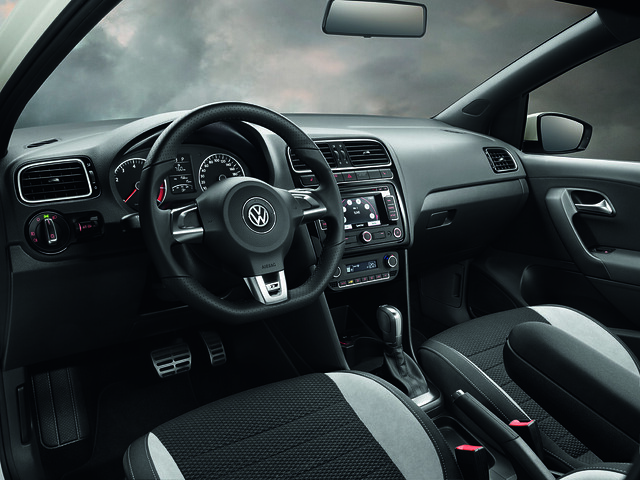 Volkswagen polo r line interieur flickr photo sharing for Interieur polo