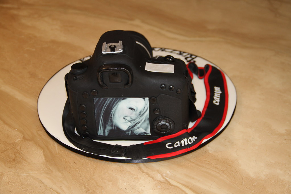 Canon Eos 7d Camera Cake Back View Of Camera Cake With