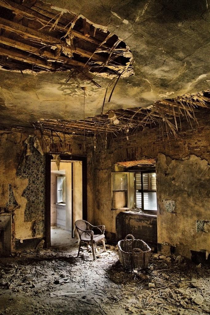 le vieux grenier teolc eniger flickr. Black Bedroom Furniture Sets. Home Design Ideas