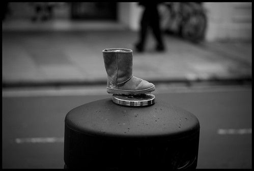 Day 315 - 11-11-2011 - Discarded Boot | by neonbubble