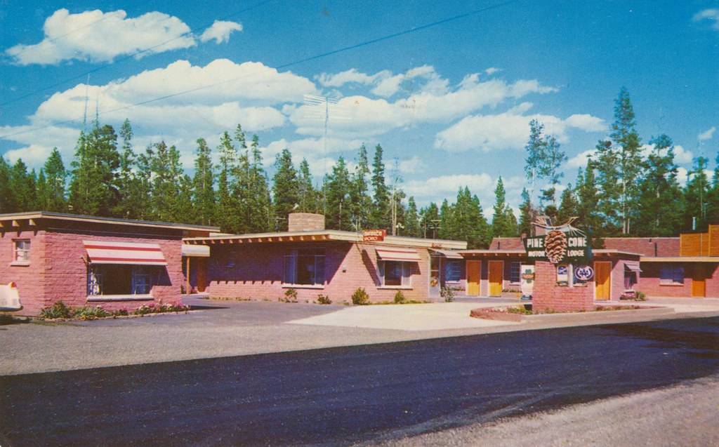 Pine Cone Motor Lodge - West Yellowstone, Montana