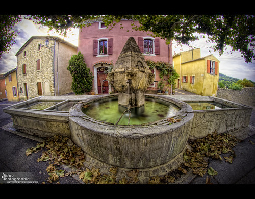 Fontaine de Buisson / Buisson's fountain | by Franck BILLOUX photographe