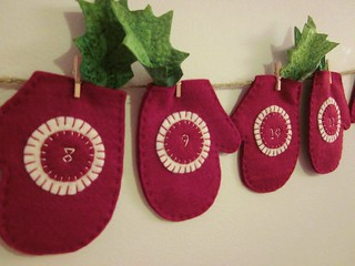 Cranberry Mitten 12 Day Advent | by LookHappyShop