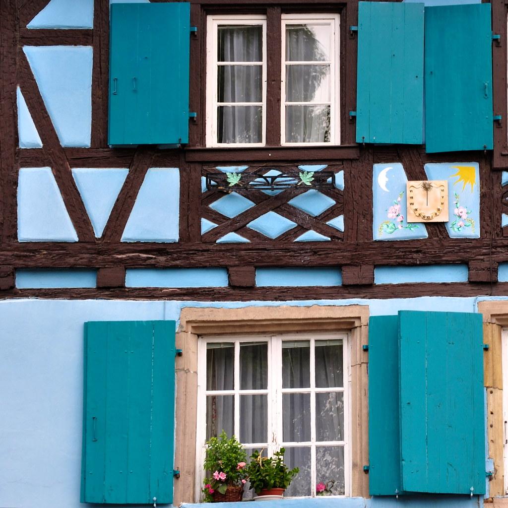 C 39 est une maison bleue the blue house see where this pict flickr - Maison bleue mobel ...