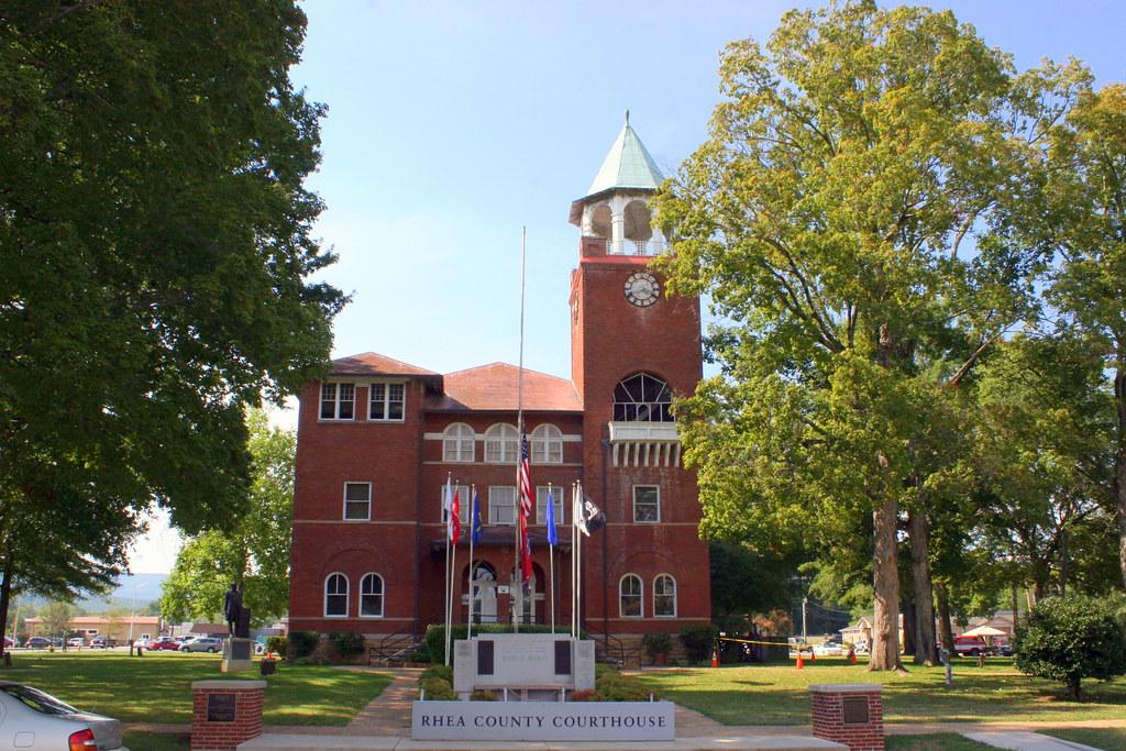 Rhea County Courthouse Street Landscape View Dayton Tn