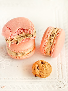 Strawberry Milk Macarons with Cookie Dough Buttercream | by raspberri cupcakes