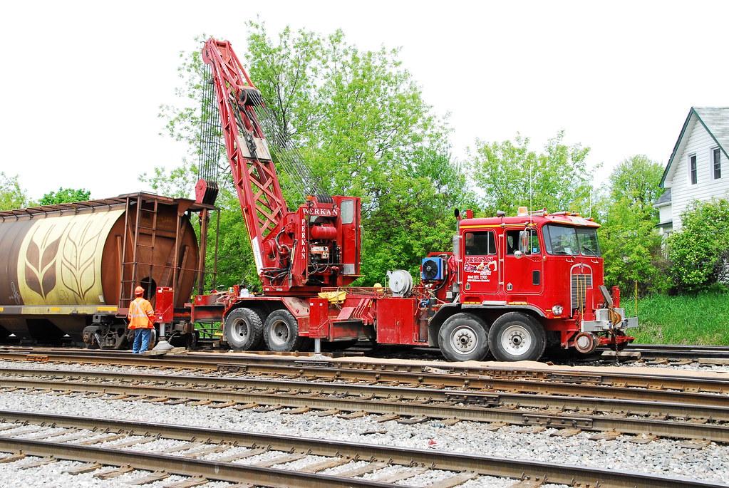 Mobile Crane Apprentice Jobs Canada : Perkan rail services inc kenworth door cab over crew ca