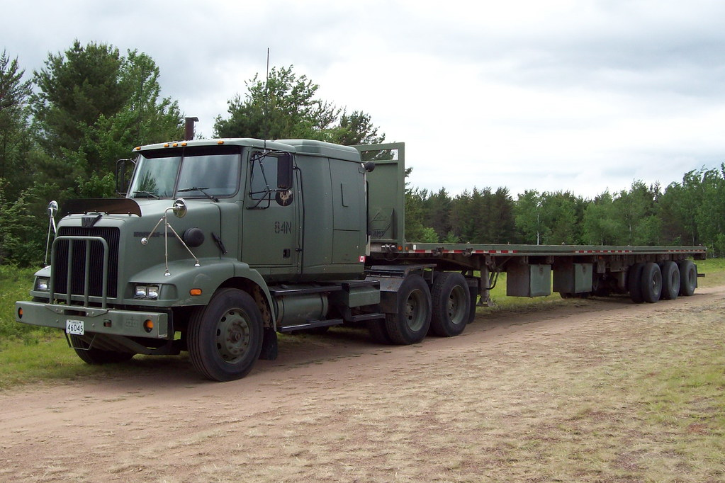 Dnd 84n Western Star Truck With A Triaxle Tridem Flatbed T