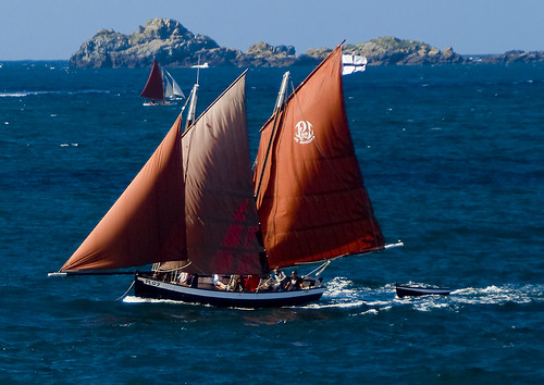 Les veles s'inflaran... / Wind on the sails | by SBA73