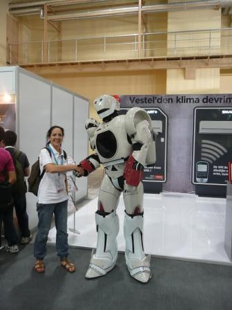 vestel robot | nesin making friends with the vestel robot