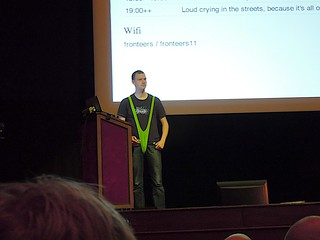 Jake Archibald at Fronteers 11 | by NullProzent