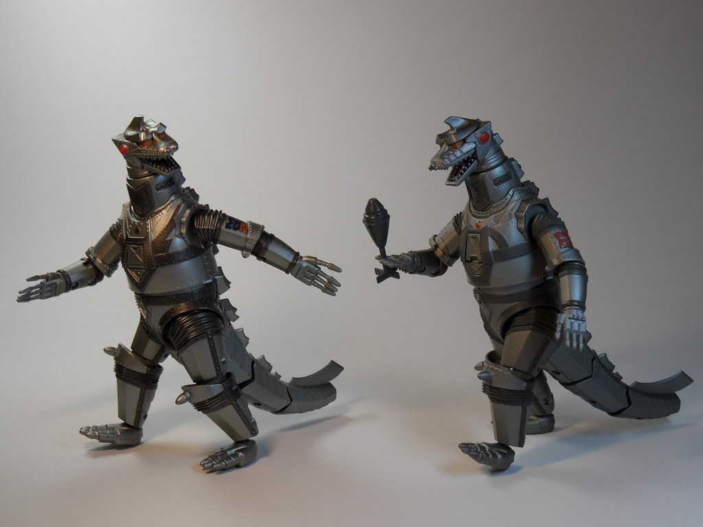"Chogokin Mecha Godzilla '74 & '75 - ""Over to you '75 ..."