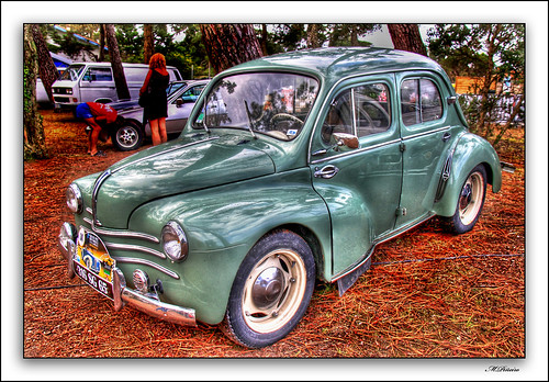 HDR Renault - 4/4 | by M. Piñeiro
