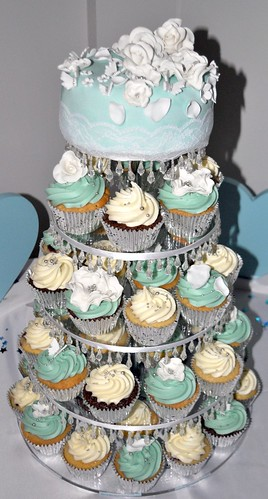 how to make tiffany blue cupcakes