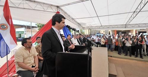Fernando lugo escucha palabras del ministro del interior for Escuchas ministro del interior
