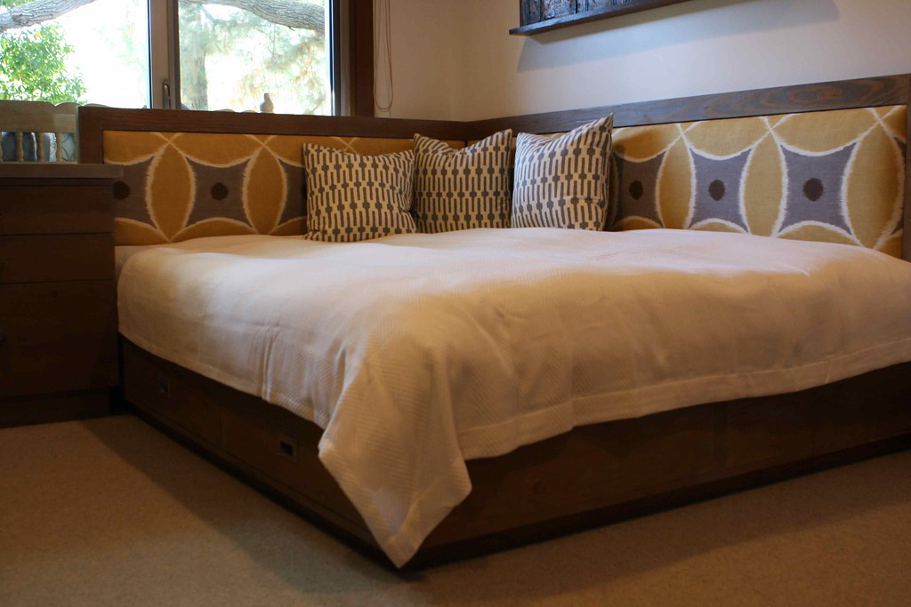 Reclaimed Wood Queen Day Bed