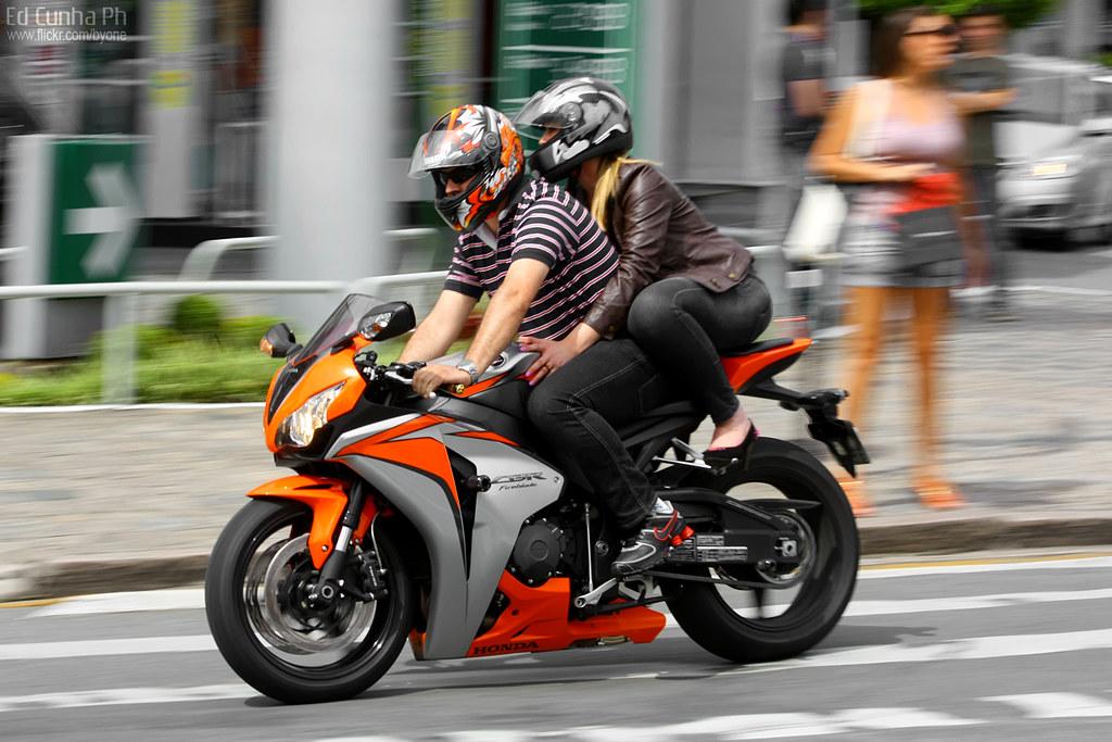 Honda Cbr1000rr Fireblade Superbikes Videos Www