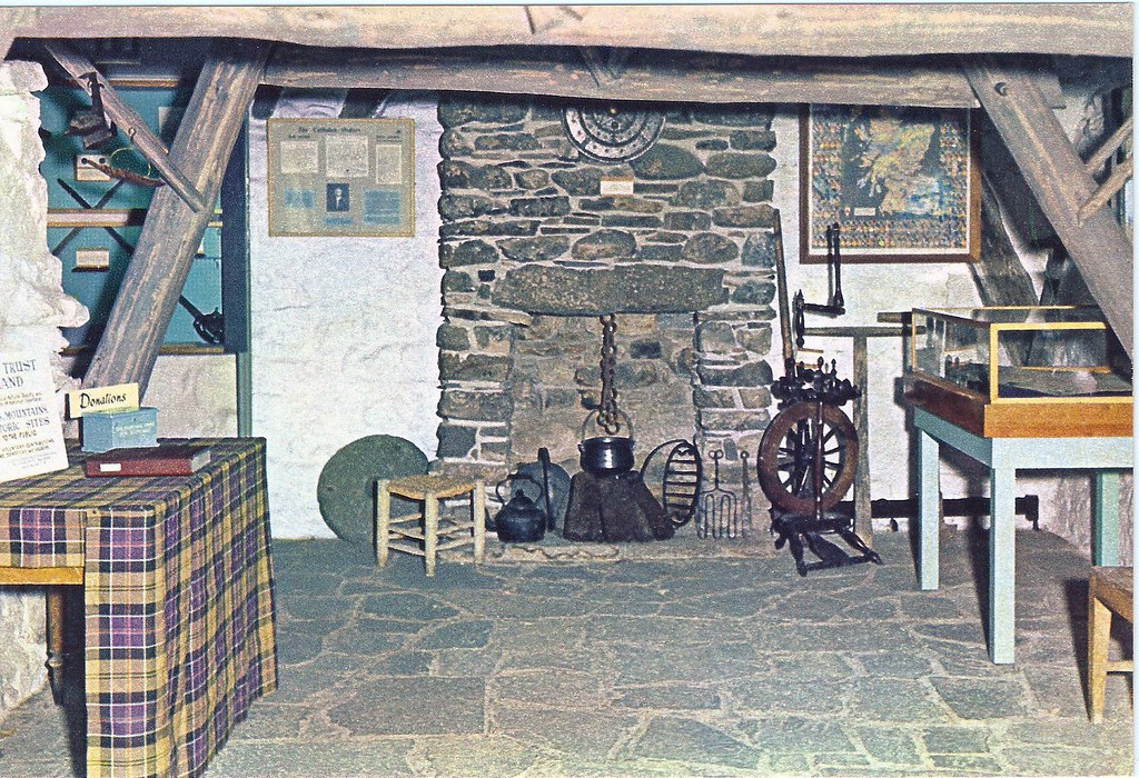 004c Inside Old Leanach Cottage Culloden Moor