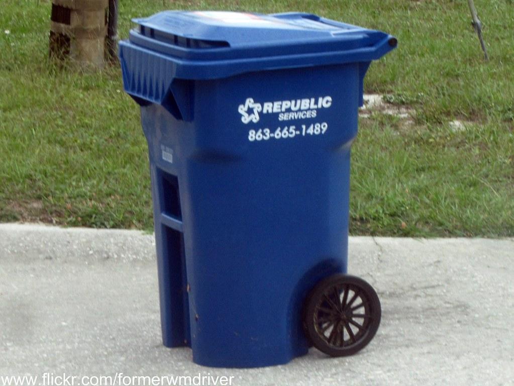 Republic Services Blue 65 Gallon Rehrig Recycling Cart W