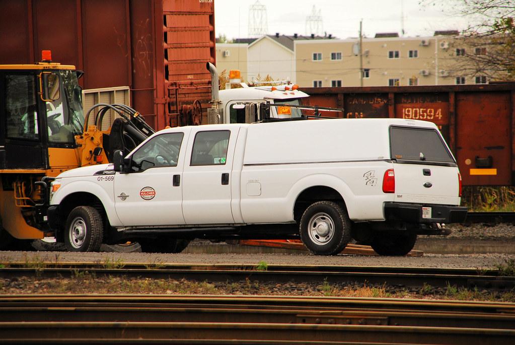 Hulcher Services Canada Inc Ford F  X Super Duty  Door Crew Cab