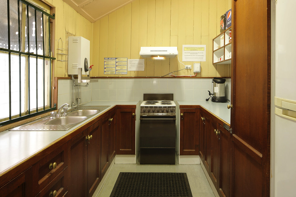 Single Kitchen Sink With Drainboard