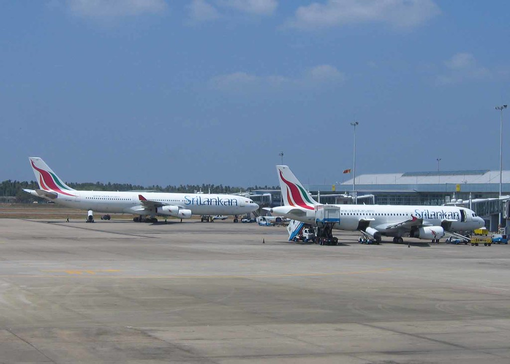 Sri Lankan A340 and A320 at Bandaranaike Airport Colombo | Flickr