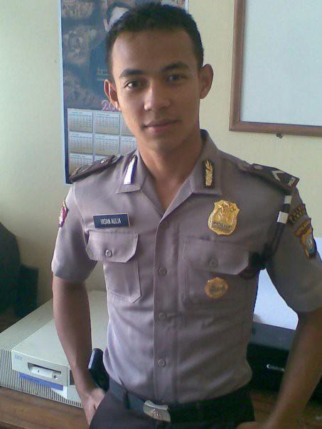 Pake Baju Polisi Irsan Aulia Flickr