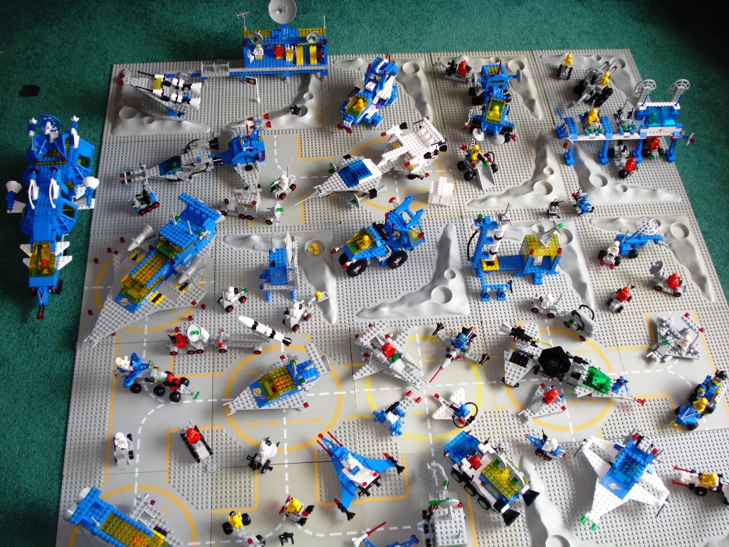 classic space lego sets 2 | lego classic space | zip250 | flickr