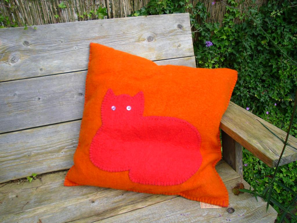 The Pillow Kussen : Kikoy pillow kikoy shop