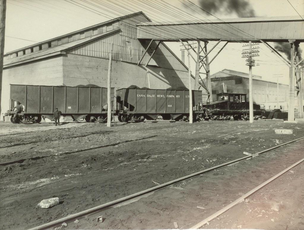 Montreal Cement Plants : Locomotive canada cement plant creator unknown
