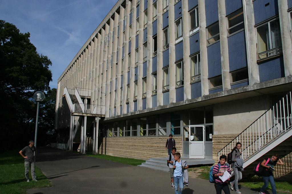 Collège Le Corbusier - Poissy | Consultez la page du collège… | Flickr