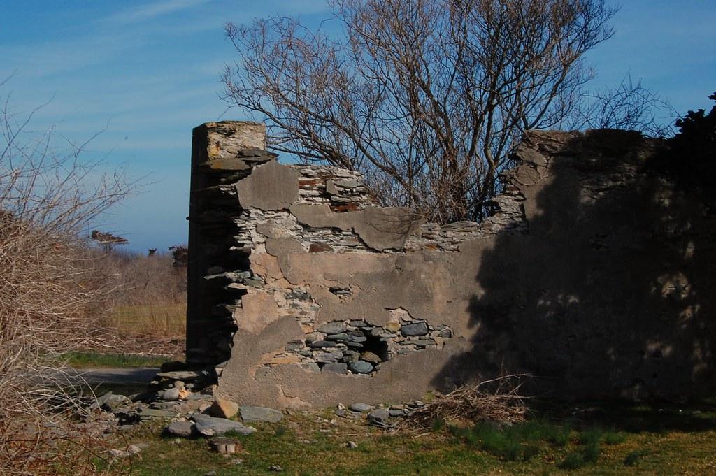 Crumbling Wall Brenton Point State Park Newport Ri