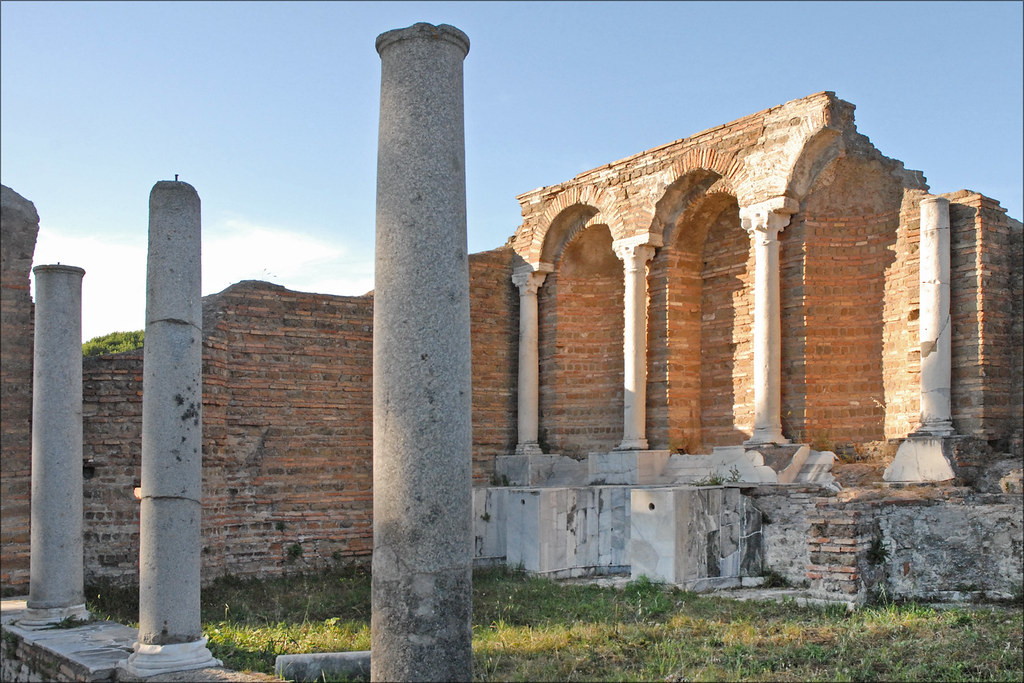 Maison d 39 amour et psych ostia antica ruines d 39 un for Interno 1 ostia