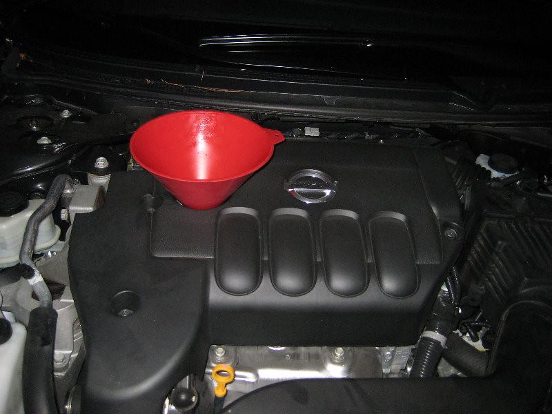 ... 2007 2012 Nissan Altima 2.5 S   QR25DE 2.5 Liter Inline Four Cylinder  Engine Oil
