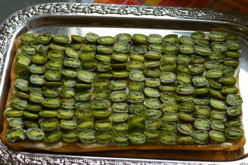 weiki kleine kiwi aus dem garten frisch auf den kuchen 2 flickr. Black Bedroom Furniture Sets. Home Design Ideas