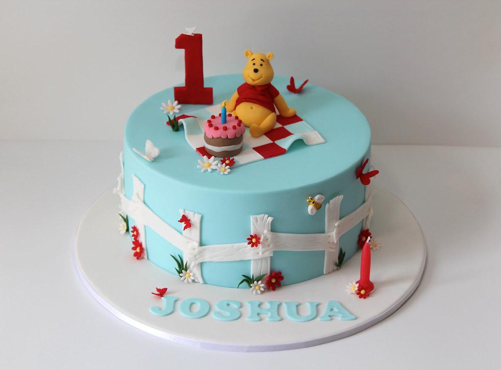 Winnie The Pooh Cake Winnie The Pooh Themed 1st Birthday C Flickr