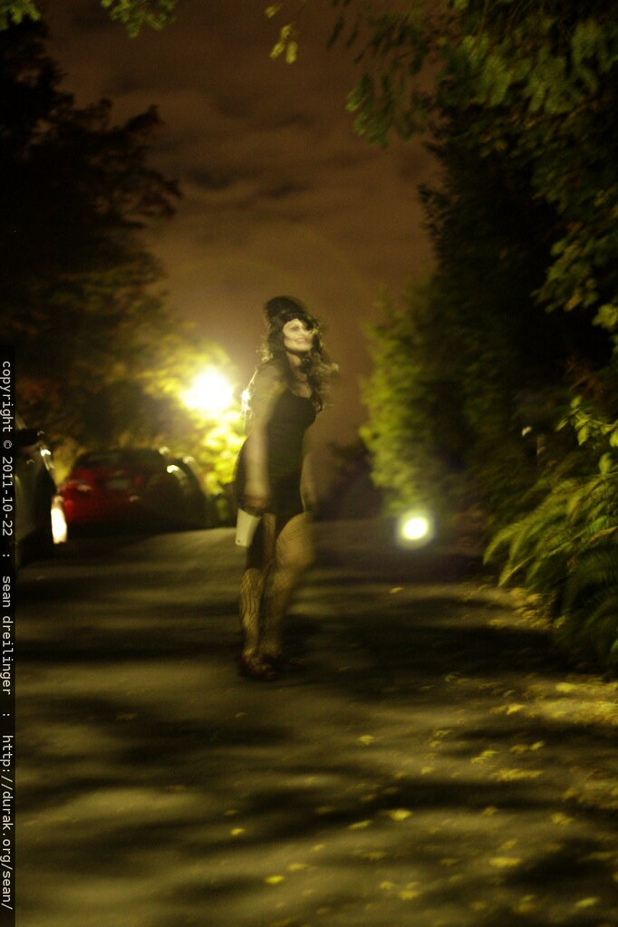 zombie amy winehouse wandering our street at night - _MG_5… | Flickr Amy Winehouse