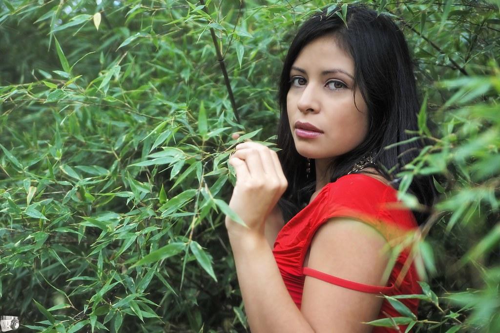 natural girl la nature aime se cacher salvador dali