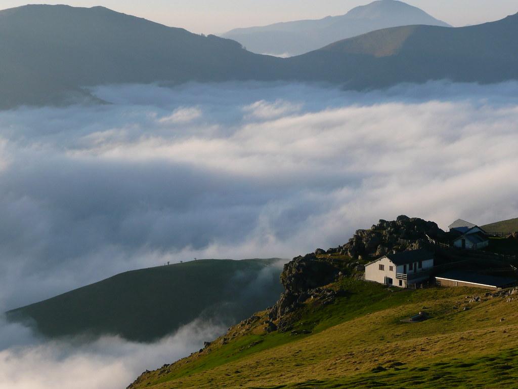 Paysage de montagne pays basque pyr n es atlantiques franc - Office du tourisme pyrenees atlantiques ...