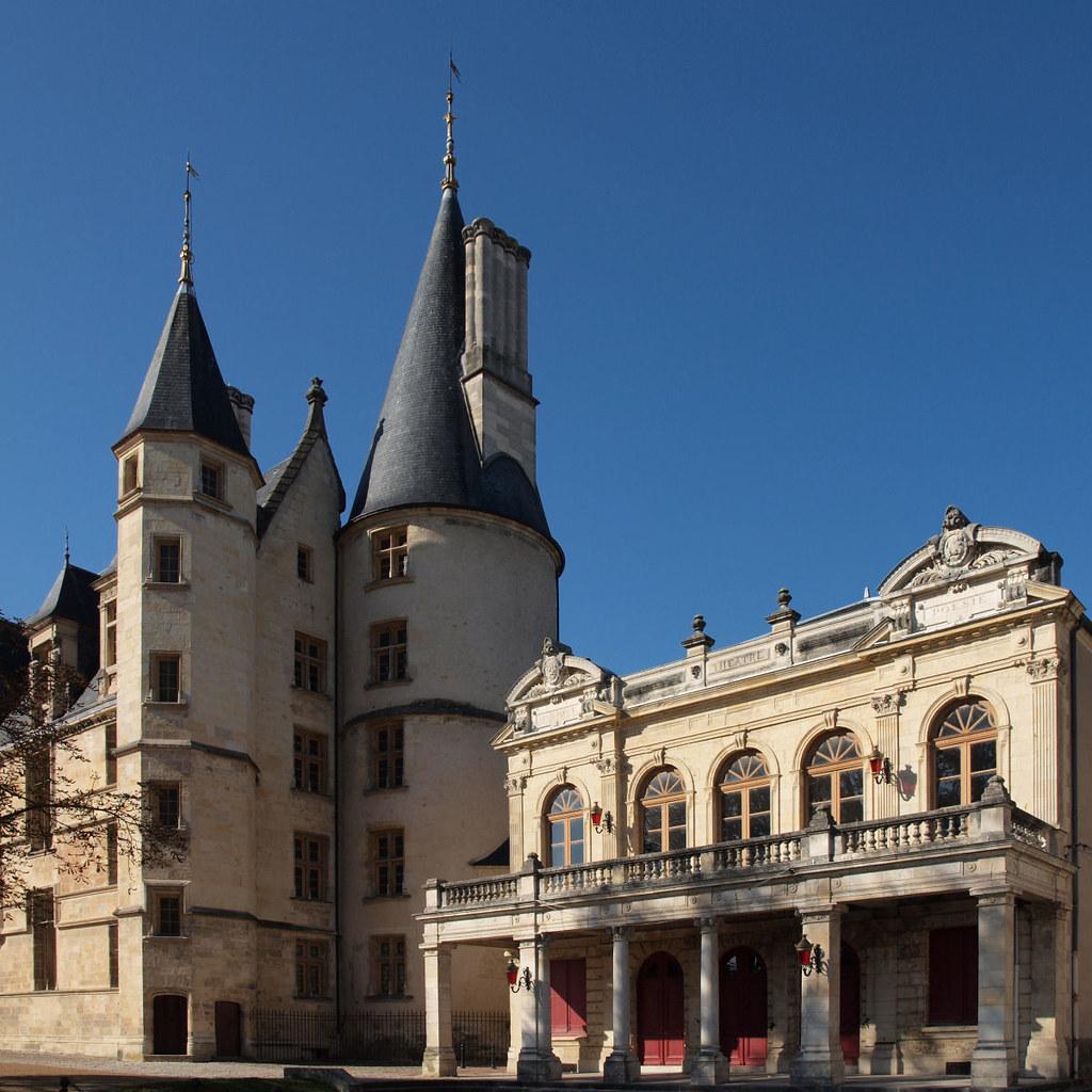 Le théâtre et le Palais Ducal à Nevers (XV ième siècle pou…   Flickr
