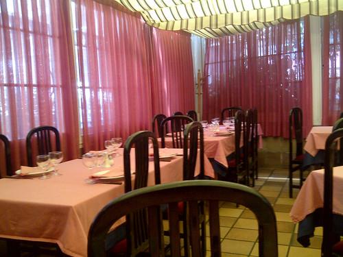 restaurante cuarto y mitad madrid detalle de mesa