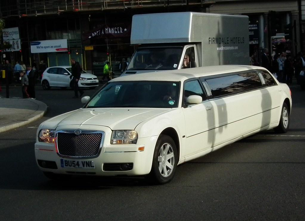 stretched 300c stretched 2005 chrysler 300c limousine. Black Bedroom Furniture Sets. Home Design Ideas