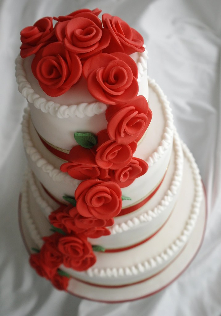 wedding cake red roses cascade wedding cake four tier wedding cake 23665