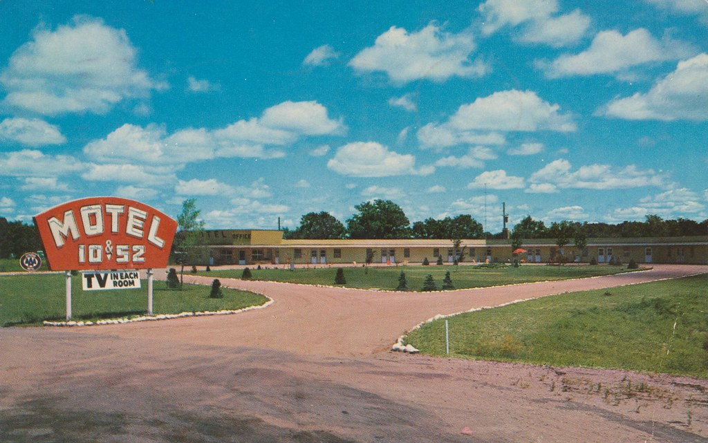 Motel 10 & 52 - St. Cloud, Minnesota