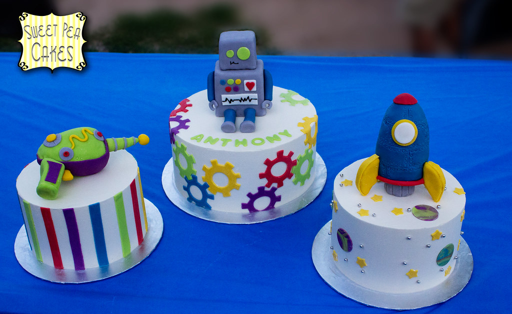 Robot 3rd Birthday Three Cakes For My Nephews 3rd Birthda Flickr