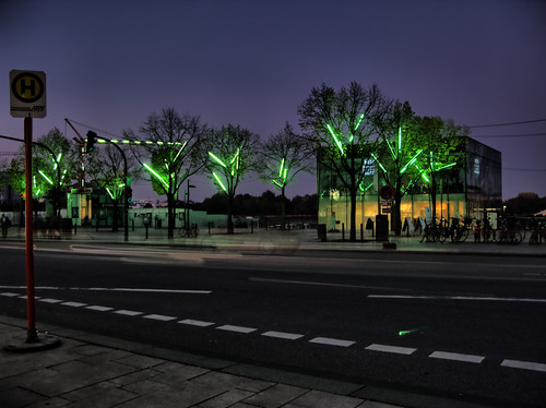 Jungfernstieg in Green by Light-Artist Michael Batz | by Thragor 2